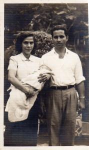 papai mae e eu no colo